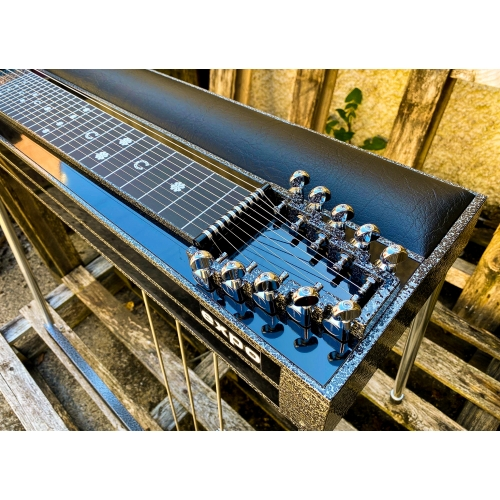 GFI S10PE Expo Custom with Silver Vein Frame in Black with Pad & Hardcase