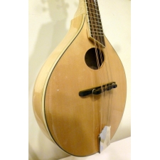 Breedlove Crossover OO NT Mandolin In Natural Gloss With Gig Bag
