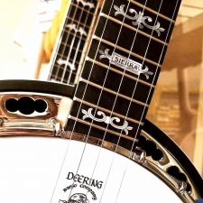 Deering Sierra Mahogany 5-String Banjo With Hard Case