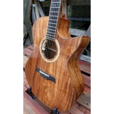 Maestro Custom Series Singa KO CSB K Medium Jumbo Electro With Case