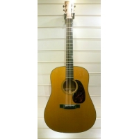 Martin D18 Dreadnought American Acoustic Guitar in Natural with Case