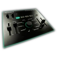 Roland AIRA VT3 Voice Transformer - Vocoder, Lo-Fi Effects & Singable Synths