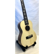 Giannini Custom Concert Ukulele With Black Bag