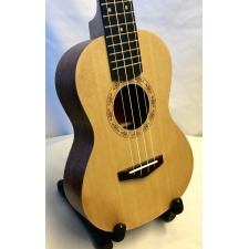 Aloha Concert Ukulele With Spruce Top With Black Bag
