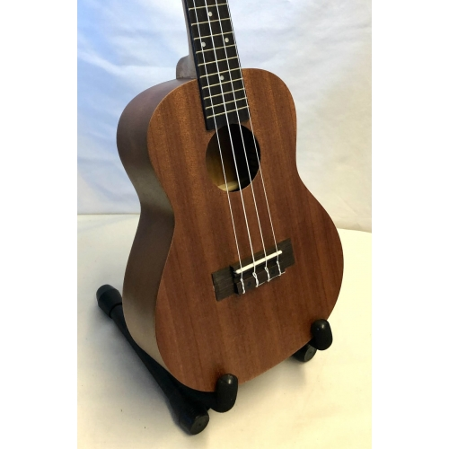 Windsor Style 24 Concert Ukulele With Bag