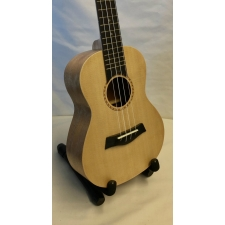 Flight Prototype Concert Ukulele With Spruce Top With Black Bag