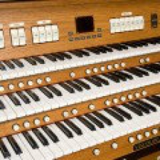 Viscount Regent 356 Classical Organ With 32 Note Pedalboard & Bench