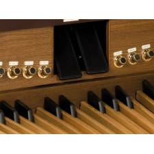 Viscount Envoy 35FV Classical Organ With 32 Note Pedalboard & Bench