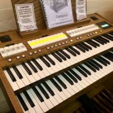 Content Compact 224 Intern Portable Organ in Dark Oak (Manuals Only)