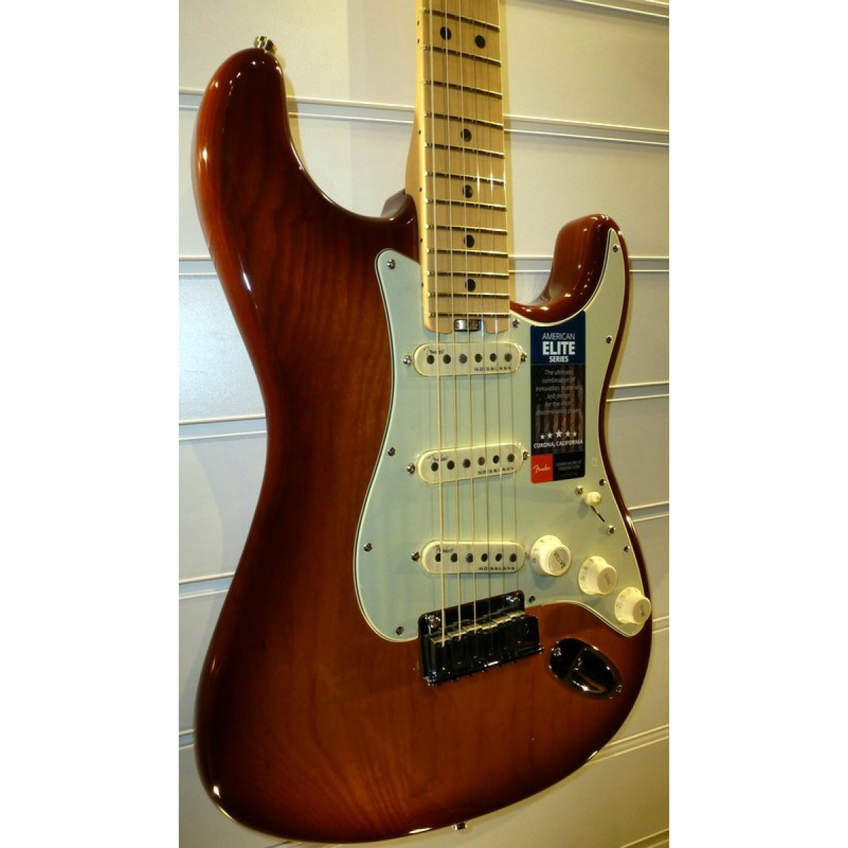 fender american elite stratocaster tobacco sunburst secondhand at promenade music. Black Bedroom Furniture Sets. Home Design Ideas