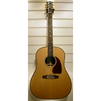 Gibson J45 Custom American Electro Acoustic in Natural & Case, Secondhand