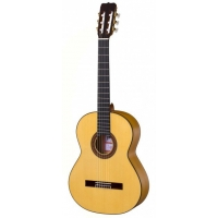 Ramirez FL1 Flamenco Guitar With Free Hard Case