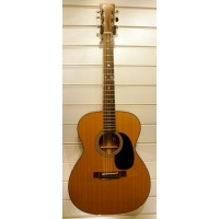 Martin 00018 Grand Auditorium American Acoustic Guitar in Natural with Case