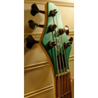 Shuker Horn Bass, Trans Turqoise, Secondhand