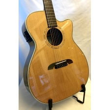 K. Yairi WY1 Handmade Japanese Electro Acoustic Guitar in Natural
