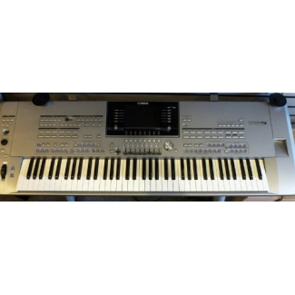 Yamaha Tyros 5 76 Note Keyboard & Tyros5 Speakers, Secondhand